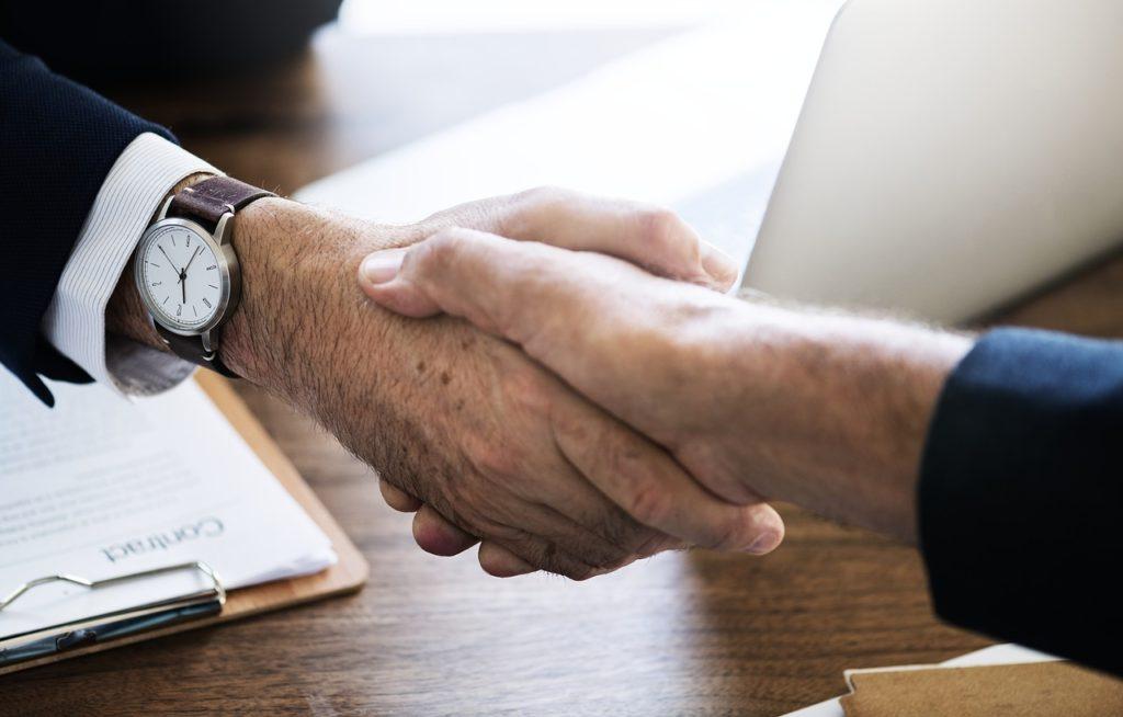 5 zásad pro půjčování mezi kamarády